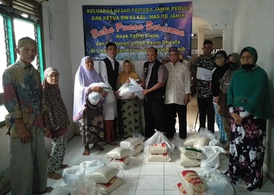 PJP Berikan Santunan Kepada Anak Yatim Piatu dan Kaum Dhuafa