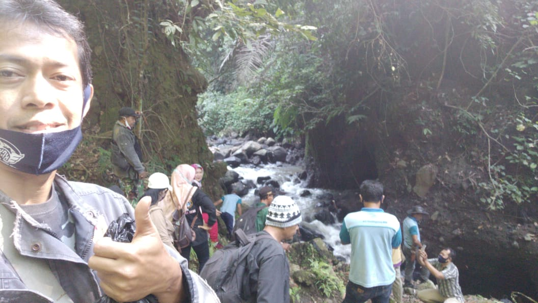 *Giat Susur Sungai di Curug Mah Tukung Randusari Nongkosawit Gunungpati Semarang bersama KGK*