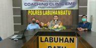 Kapolres Labuhanbatu bersama personil membuka Pelatihan Coaching Clinic EMP kepada Sat Reskrim dan Sat Res Narkoba